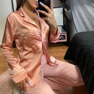 BARBIExMISSGUIDED Silky blouse